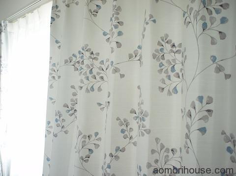 カーテン寝室