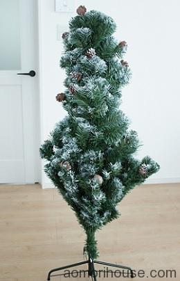クリスマスツリー中