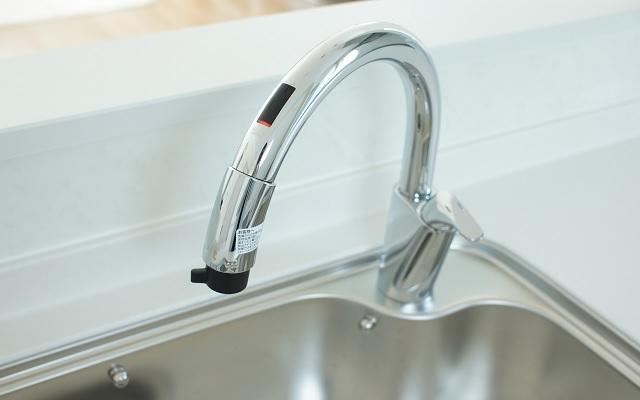 リクシルのタッチレス水栓