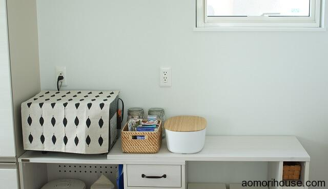 キッチンのブレッドボックス