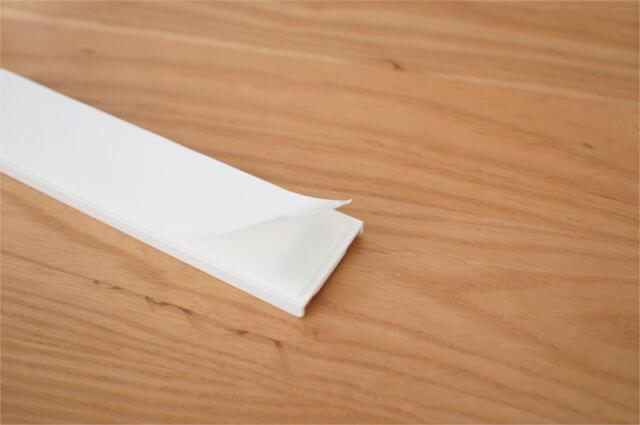 貼り付けプレートの両面テープ